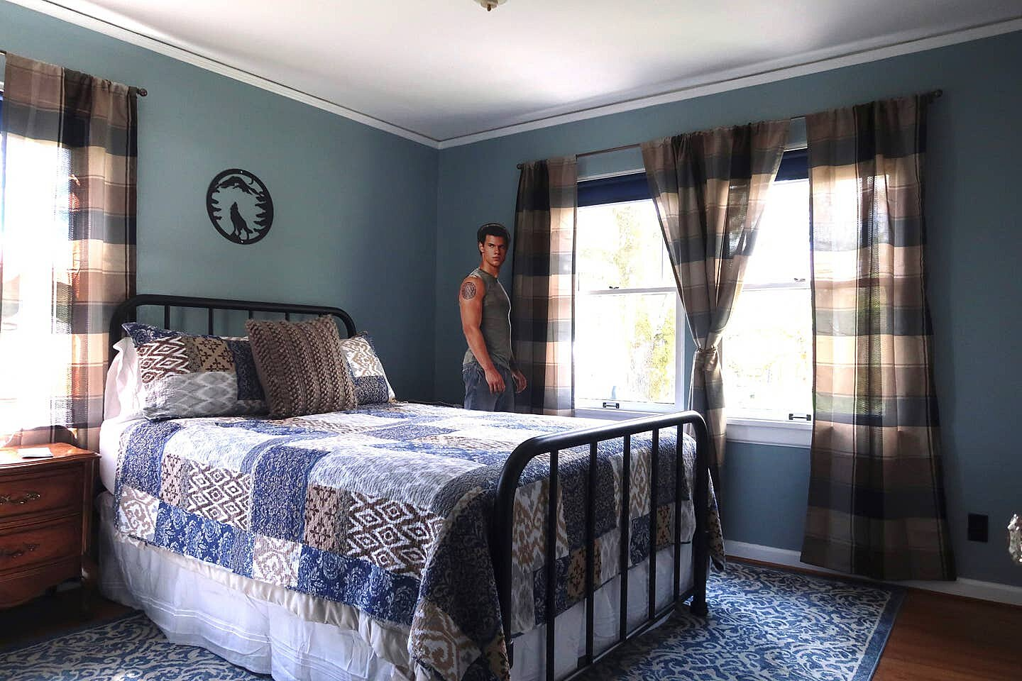 You Can Rent The Swan Home For 330 A Night People Com