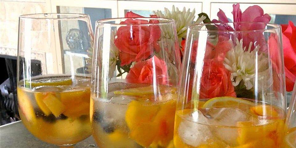 amazing peach sangria
