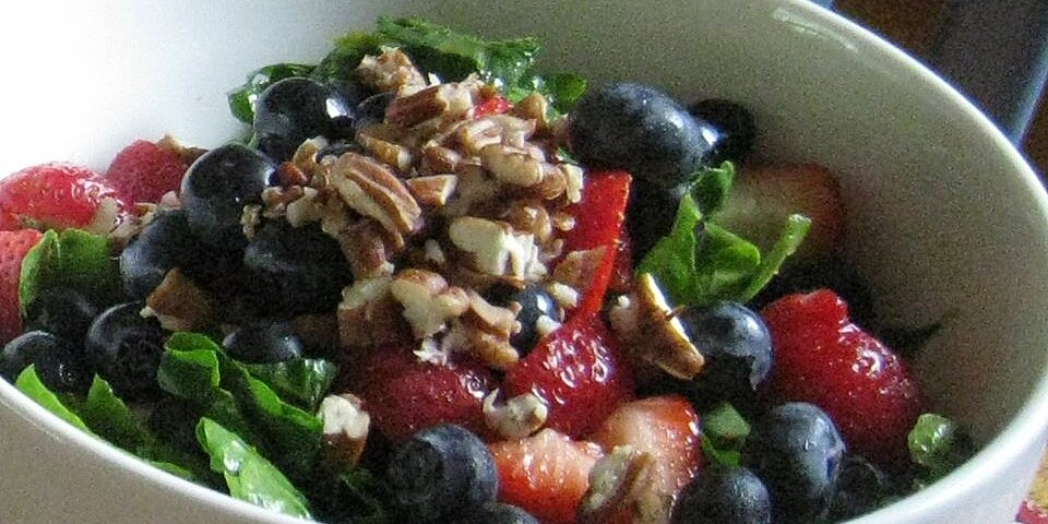 spinach salad with berries and curry dressing recipe