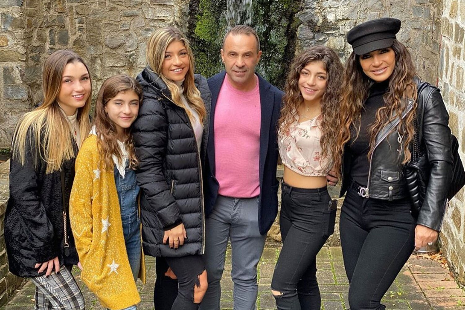 Teresa Giudice And Joe Giudice Finalize Divorce People Com Joe giudice misses his daughters 'so much already' after they return from visiting him in italy. teresa giudice and joe giudice finalize