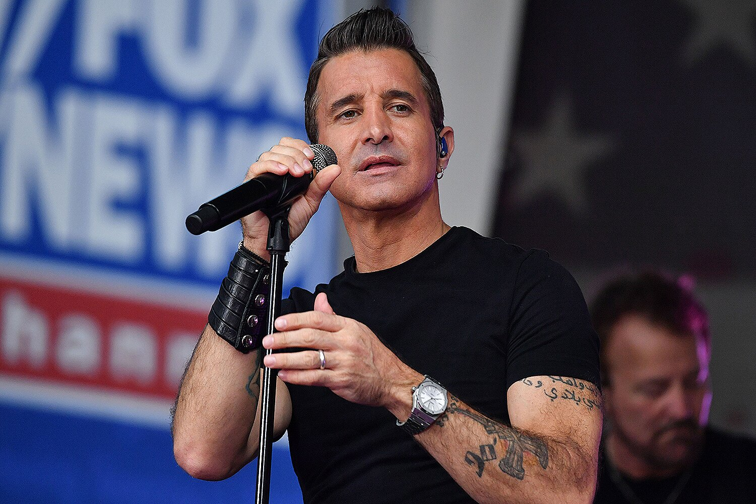 Creed Frontman Scott Stapp Celebrates His Sobriety with Empowering ...
