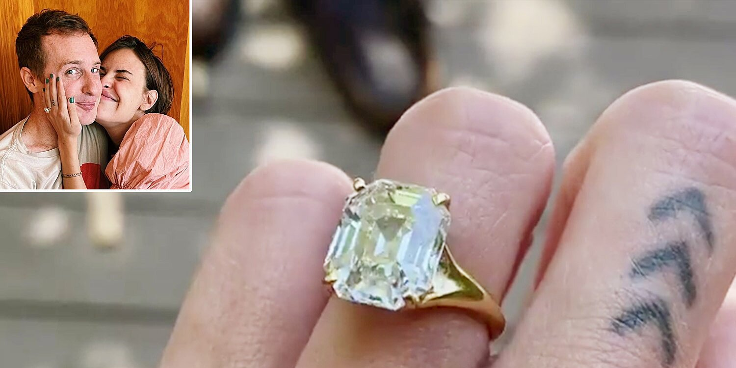 See Tallulah Willis' Enormous Emerald Engagement Ring from Fiancé Dillon Buss.jpg