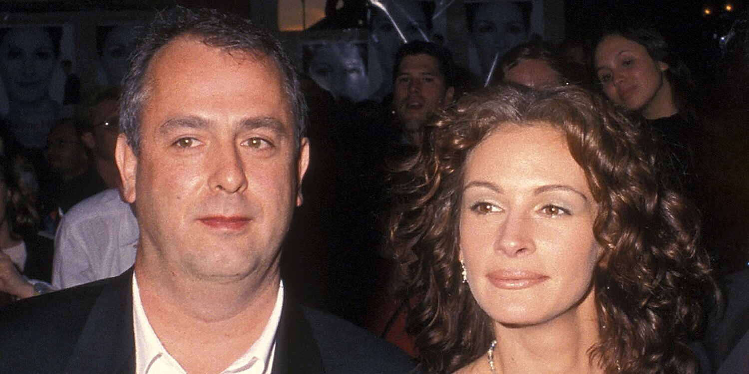 Roger Michell Dead at 65, Julia Roberts Mourns Notting Hill Director: 'Kind and Gentle'.jpg