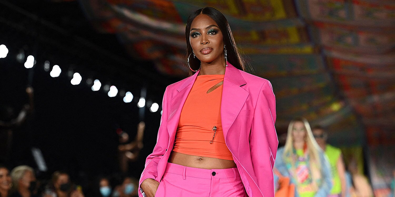 Naomi Campbell Returns to the Catwalk for Versace Show 4 Months After Welcoming Daughter