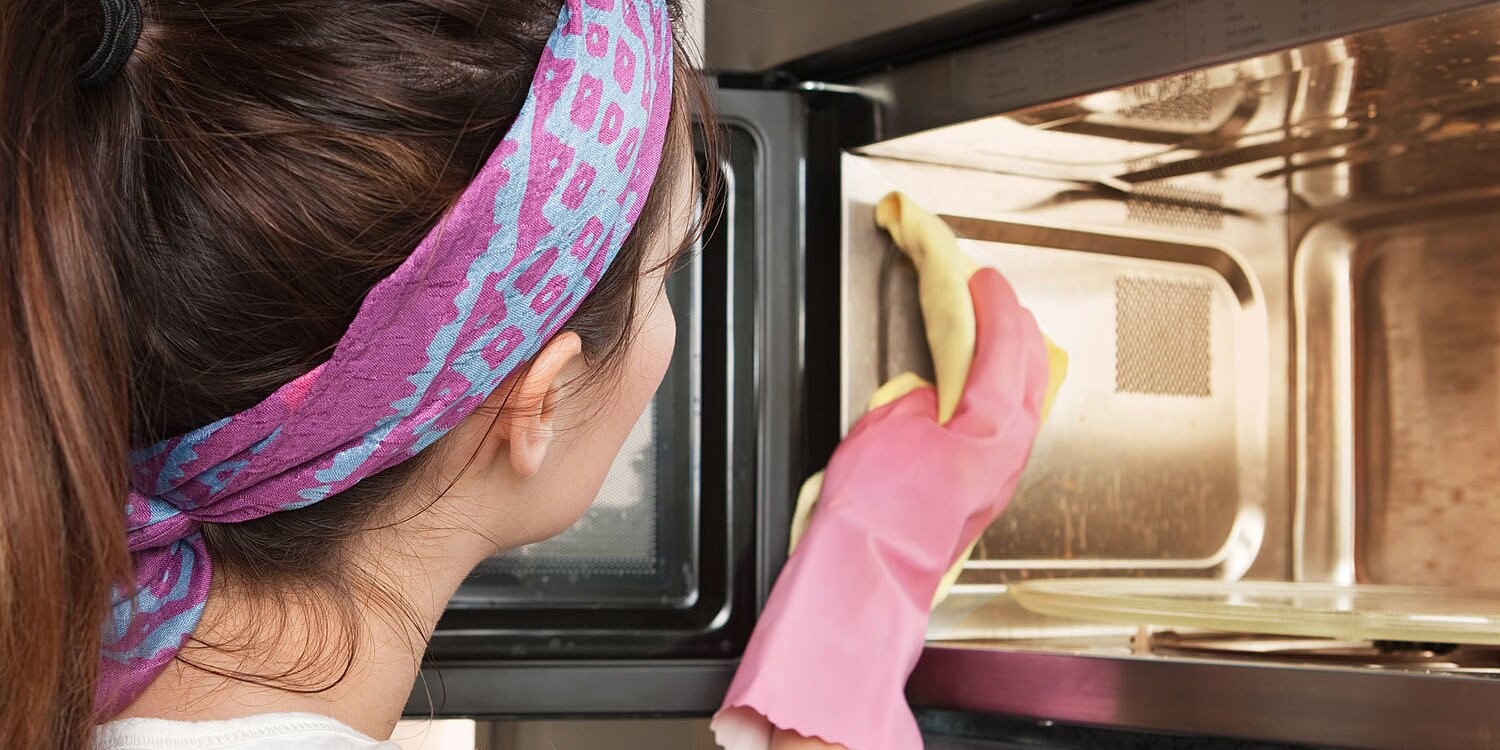 How to Clean Your Microwave the Right Way