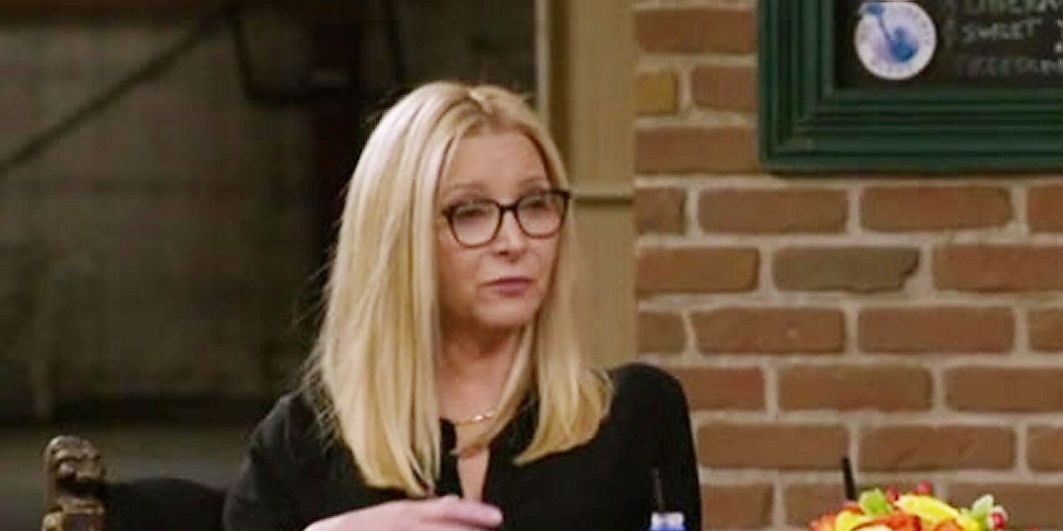 Lisa Kudrow reveals why she never watched entire seasons of 'Friends' until now