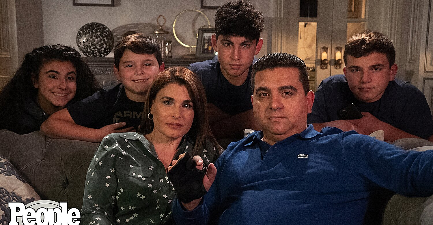 Buddy Valastro Is Thankful for 'All the Extra Family Time' on First Thanksgiving After Hand Injury