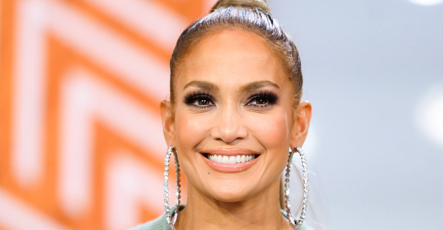 Here's Exactly How J.Lo Gets Her Healthy, Glowing Skin