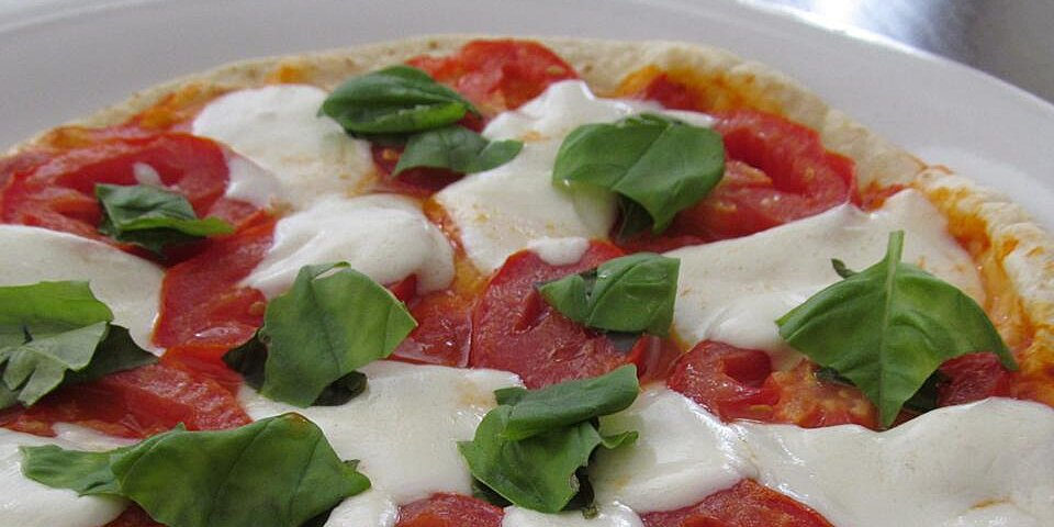 crispy tomato basil pesto flatbread pizzas recipe