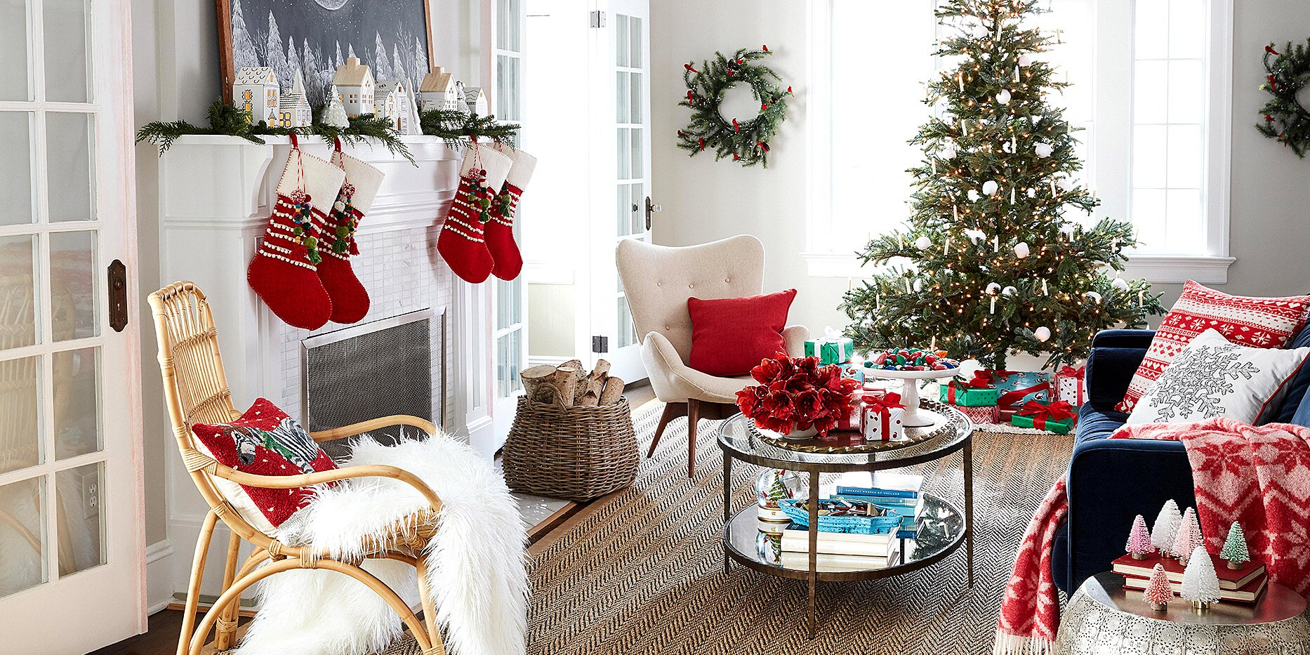 The Most Popular Time to Put Up Holiday Decorations, According to a Recent Survey