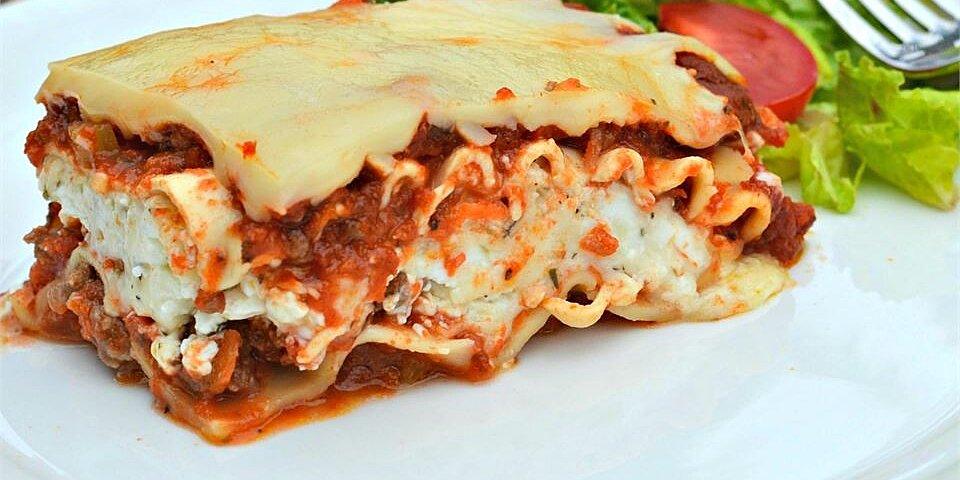 classic and simple meat lasagna recipe