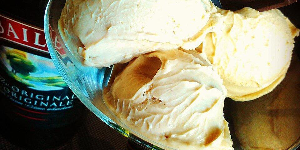 peanut butter and baileys frozen yogurt recipe