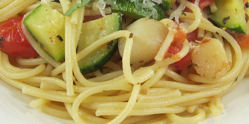 pasta with scallops zucchini and tomatoes recipe