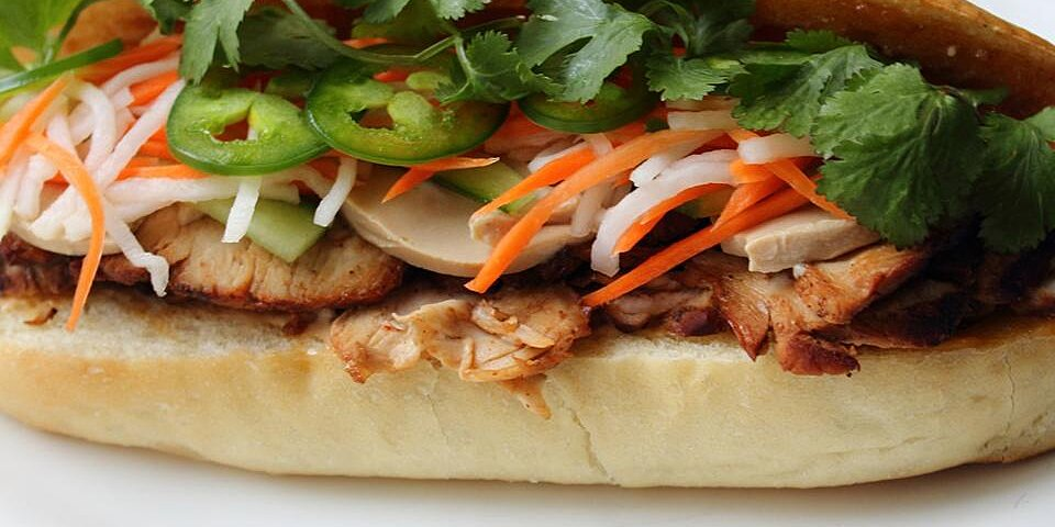 roasted pork banh mi vietnamese sandwich