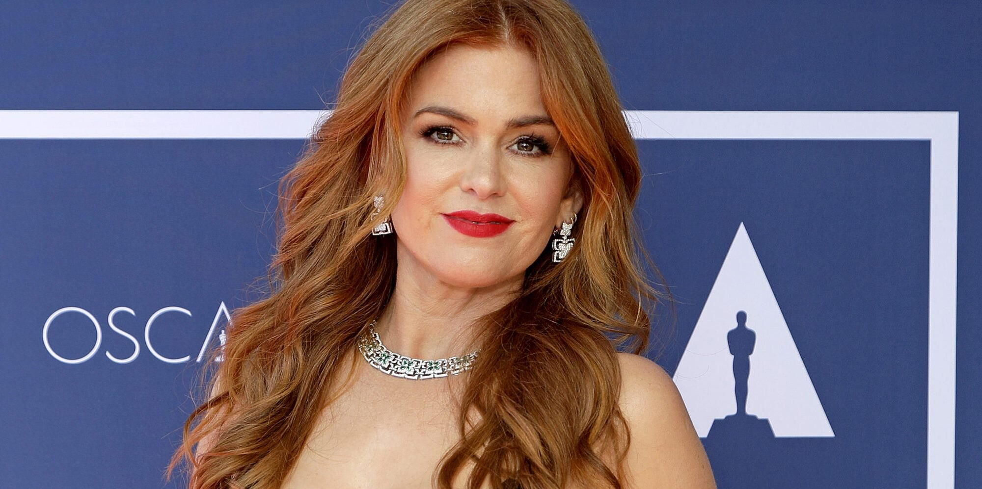 Isla Fisher Has a Very Understandable Reason for Keeping Her Kids' Lives Private