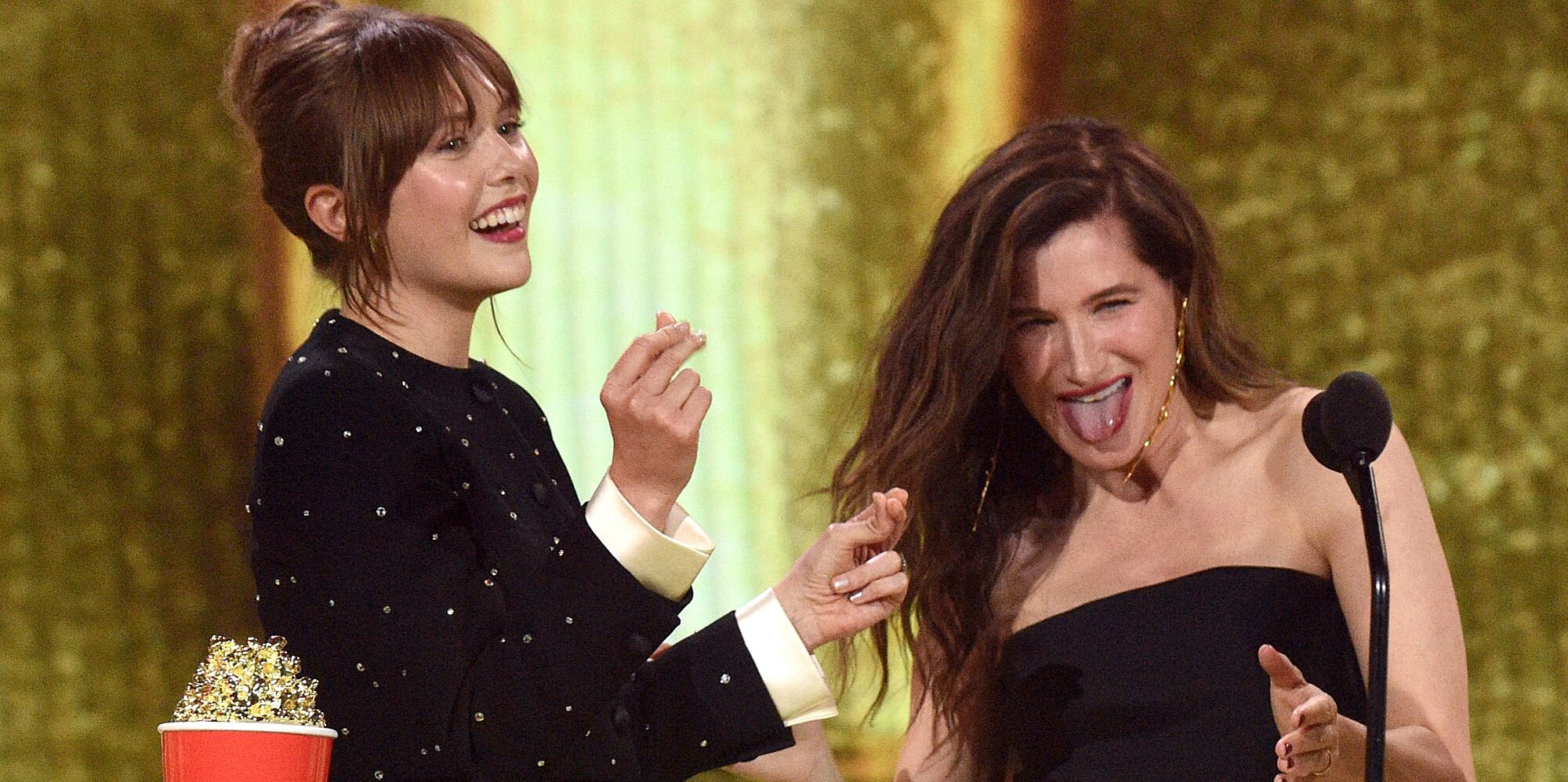 No One Had More Fun at the MTV Awards Than Elizabeth Olsen and Kathryn Hahn