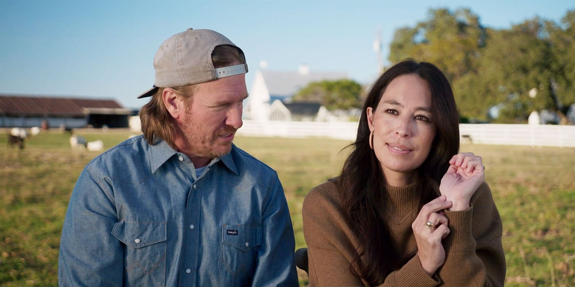 Joanna Gaines Says She'll Get a Tattoo of the Number 16 in Honor of Husband Chip When He Dies.jpg