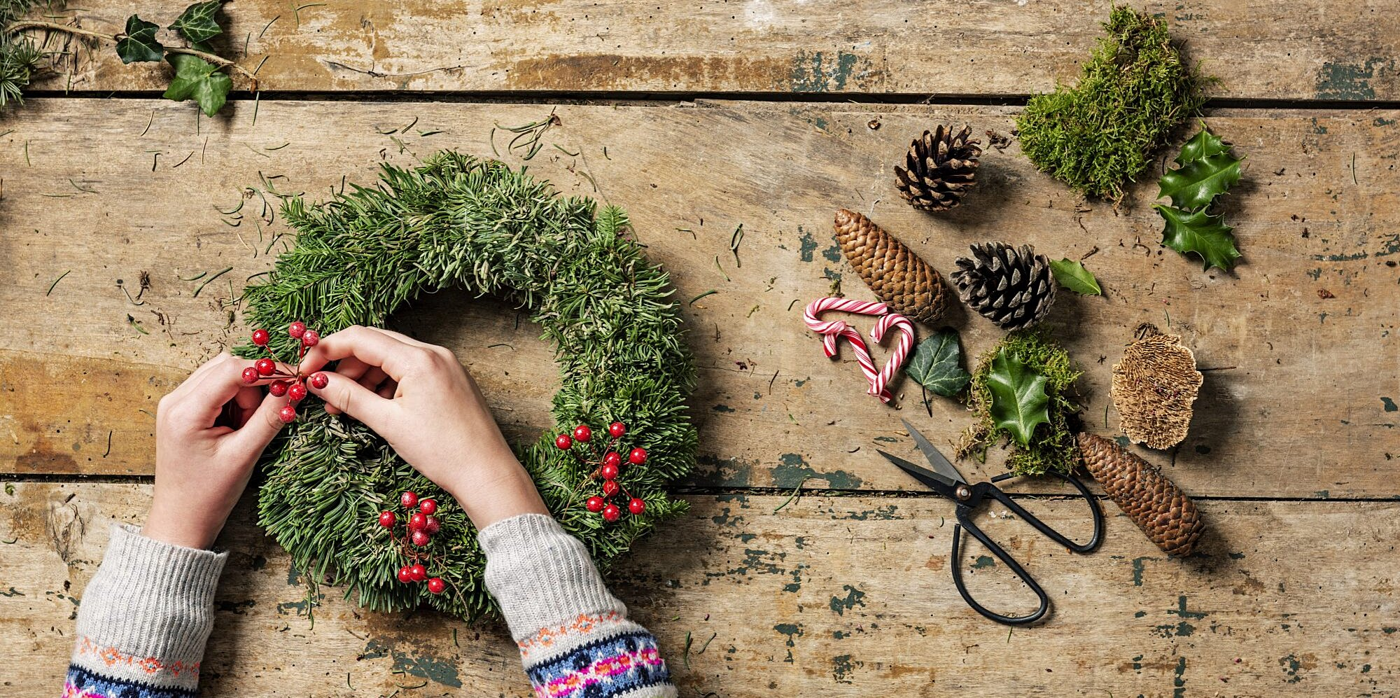 51 Christmas Crafts to Brighten Up Your Holiday Decor (and Fill Your Winter Hours)