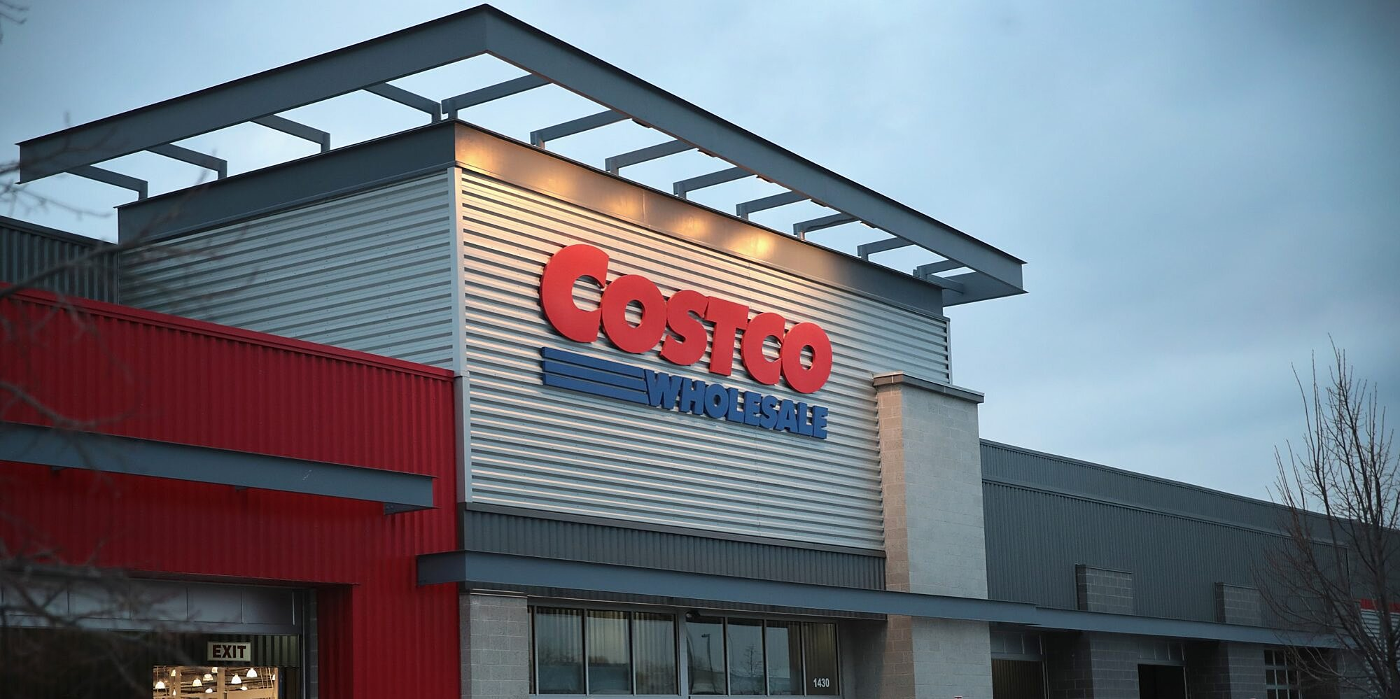 hot costco dad charms the internet after hes astounded by his