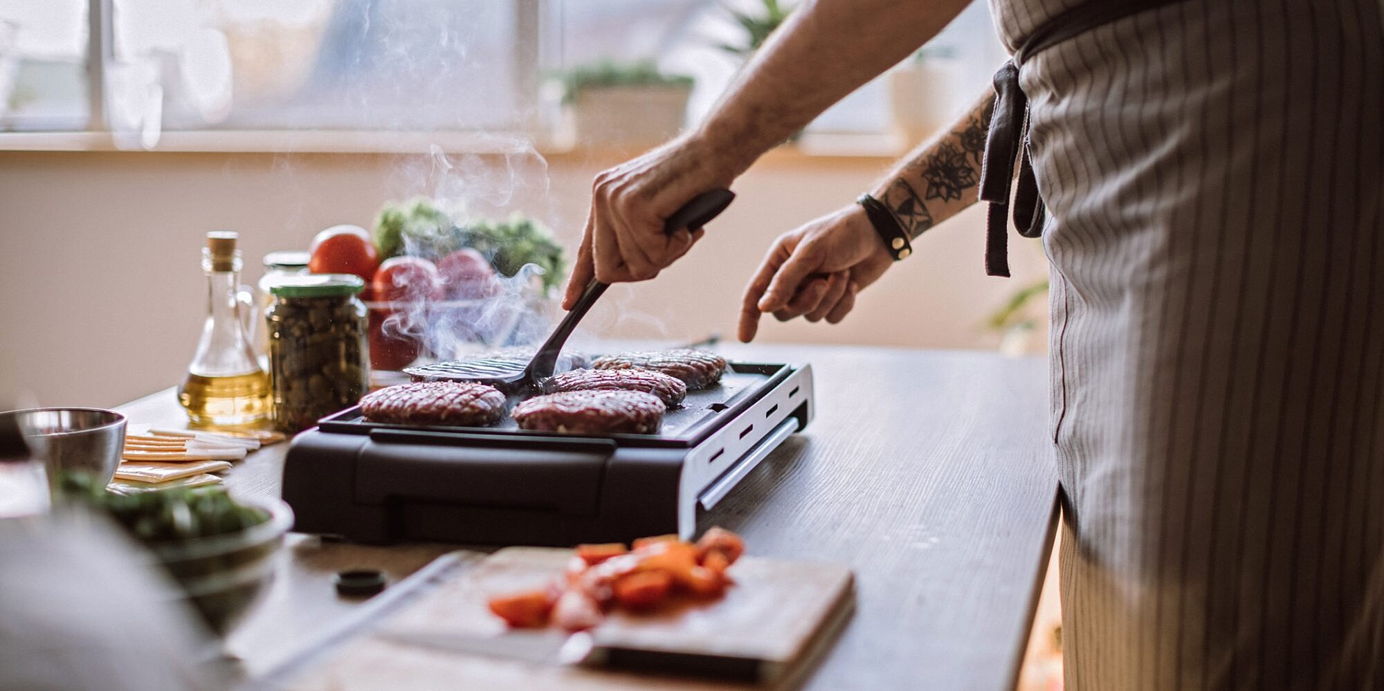 how to get outdoor flavor from an indoor grill