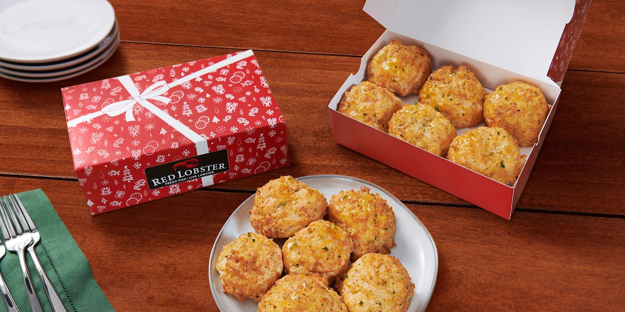 red lobster is offering cheddar bay biscuit gift boxes for the