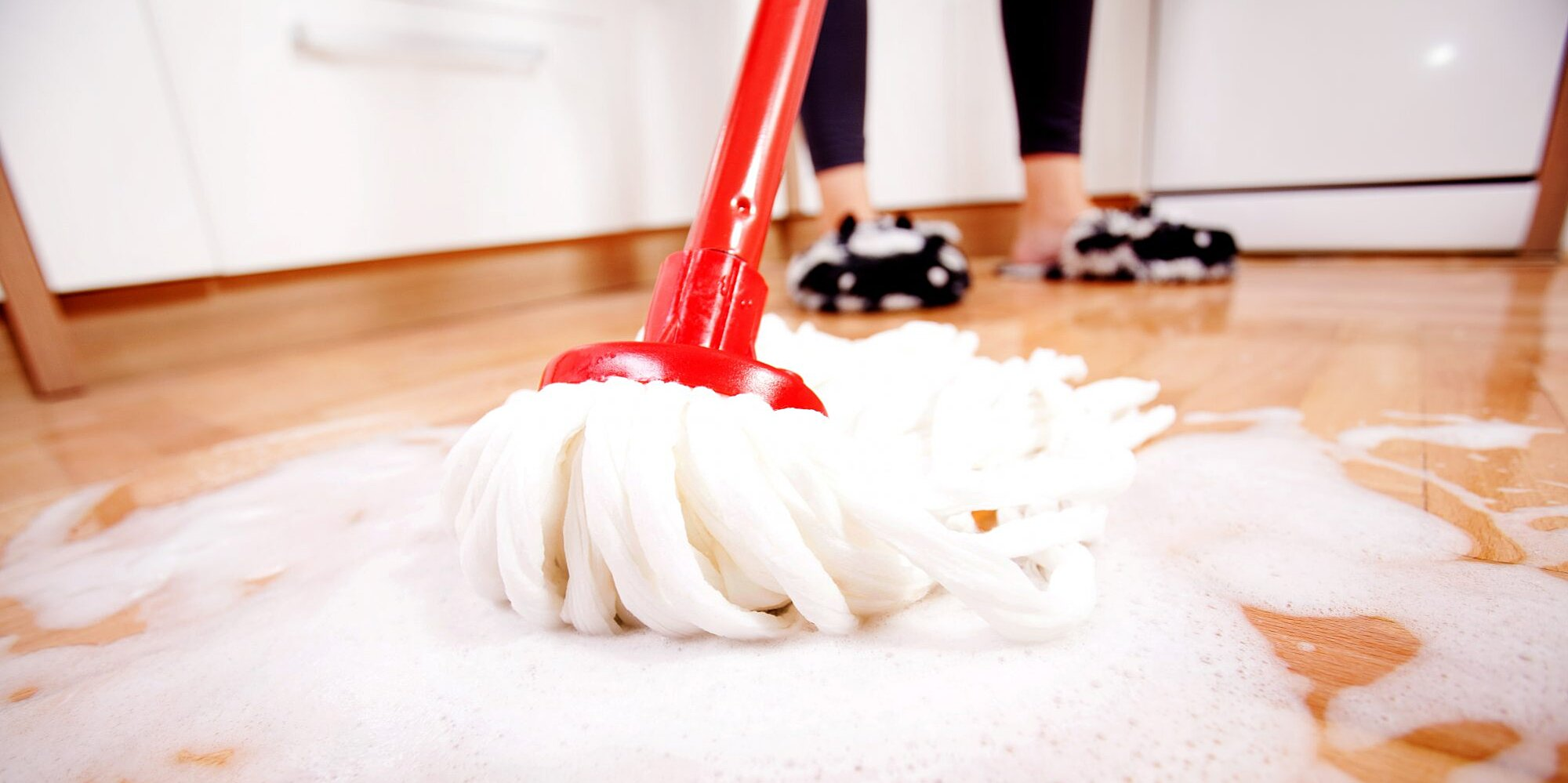 how to mop your floors using laundry detergent