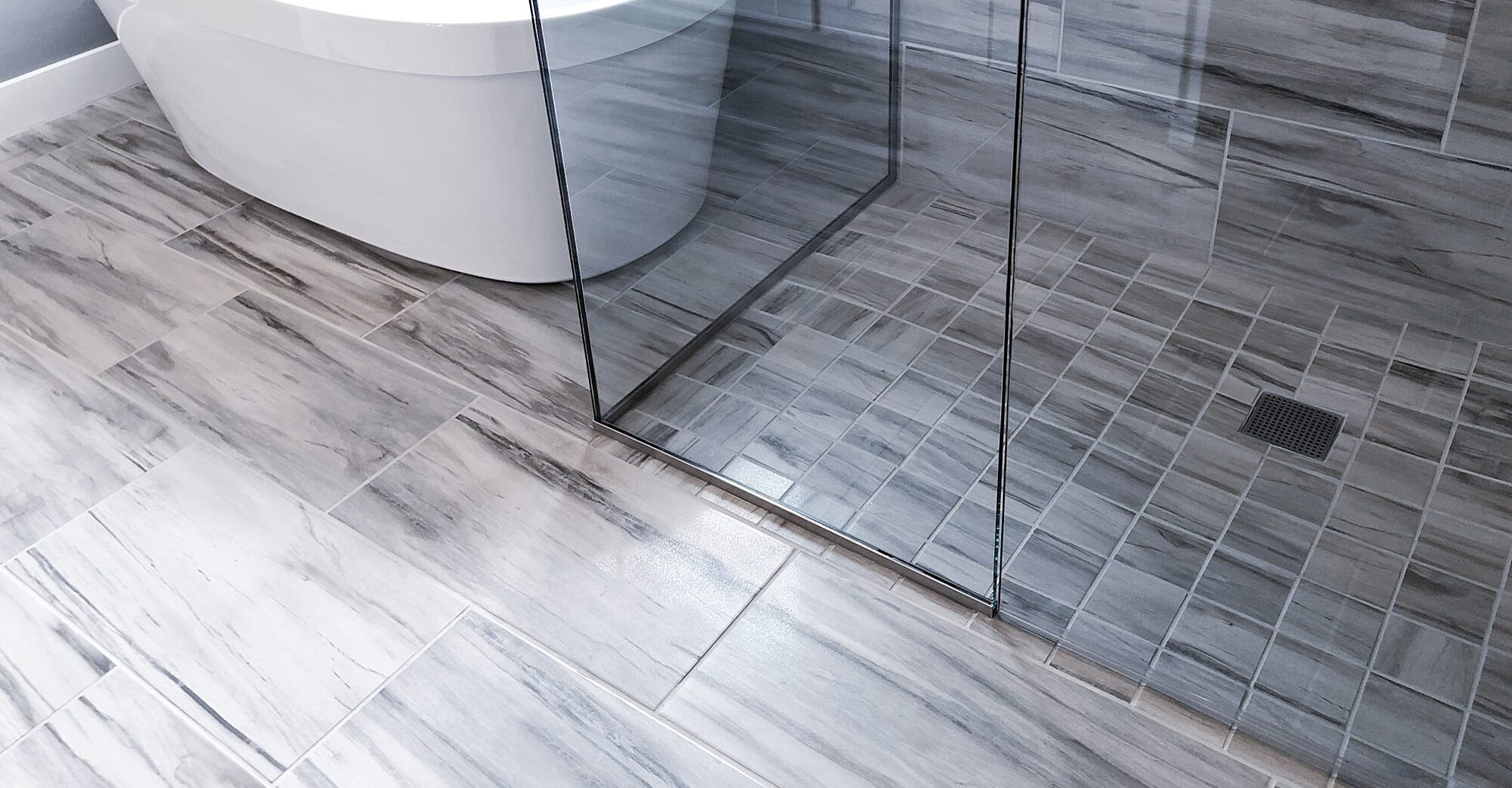 How to Make Your Glass Shower Doors Sparkle