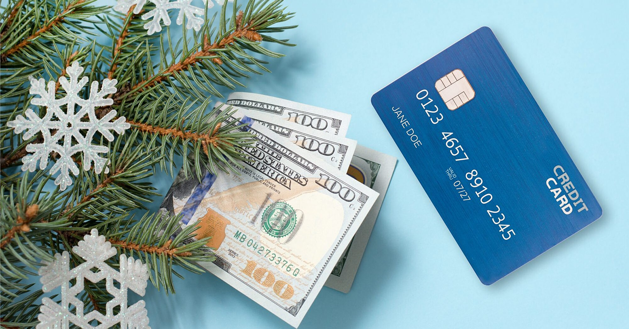 Should You Pay for Your Holiday Shopping With Debit, Credit, or Cash? We Asked the Pros