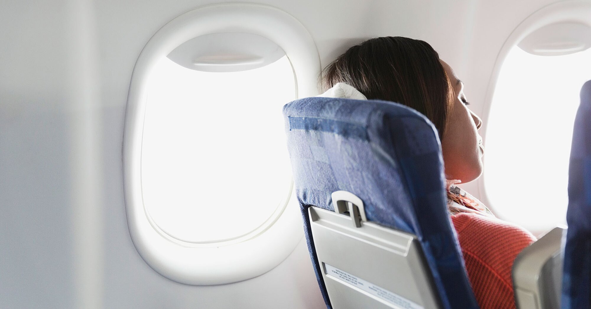 What Really Happens When You Don't Turn off Your Cell Phone on a Plane
