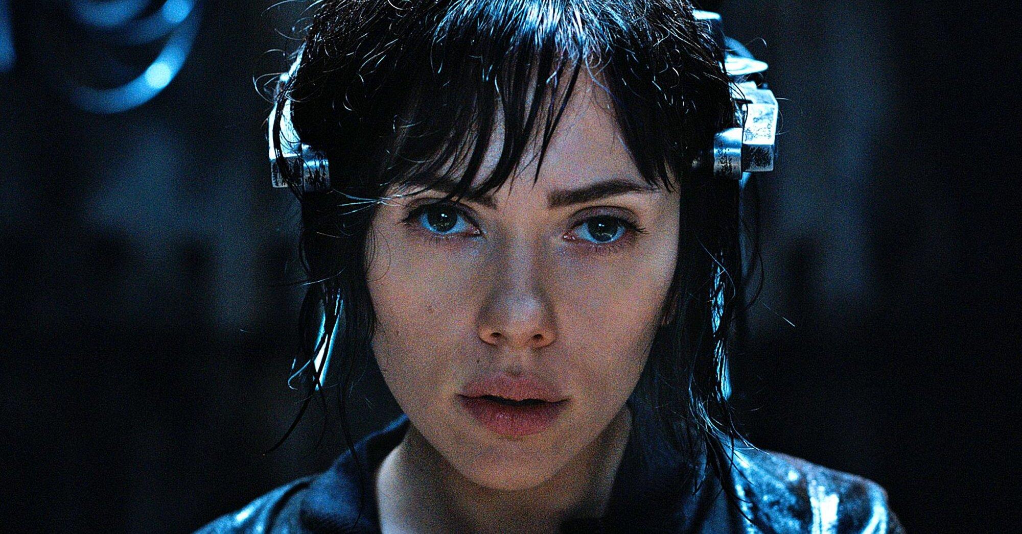 Ghost In The Shell Scarlett Johansson Talks Whitewashing Ew Com