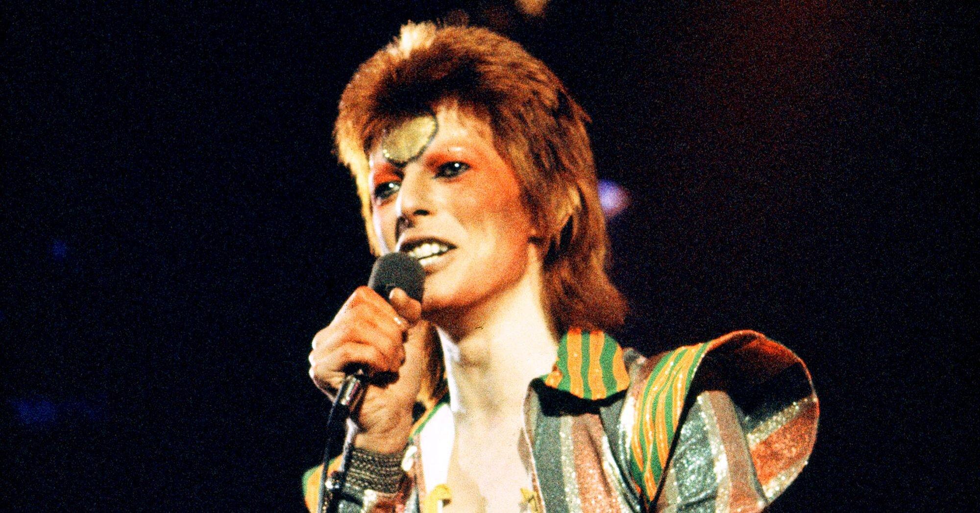 David Bowie S Space Oddity 50th Anniversary Video Ew Com