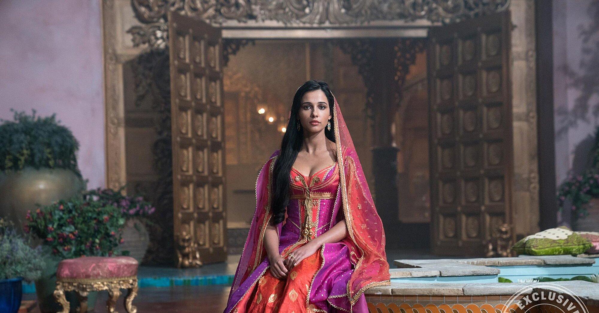 Aladdin Star Naomi Scott Breaks Down Princess Jasmine S New Outfits Ew Com