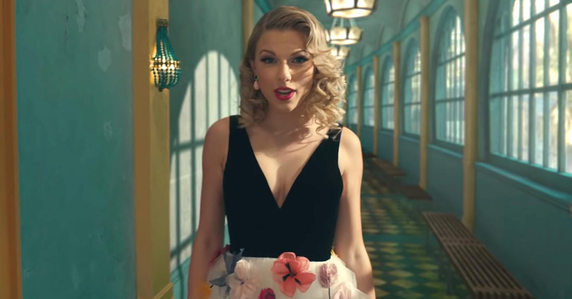 Taylor Swift S Me Music Video Smashes Youtube Viewership Record Flipboard