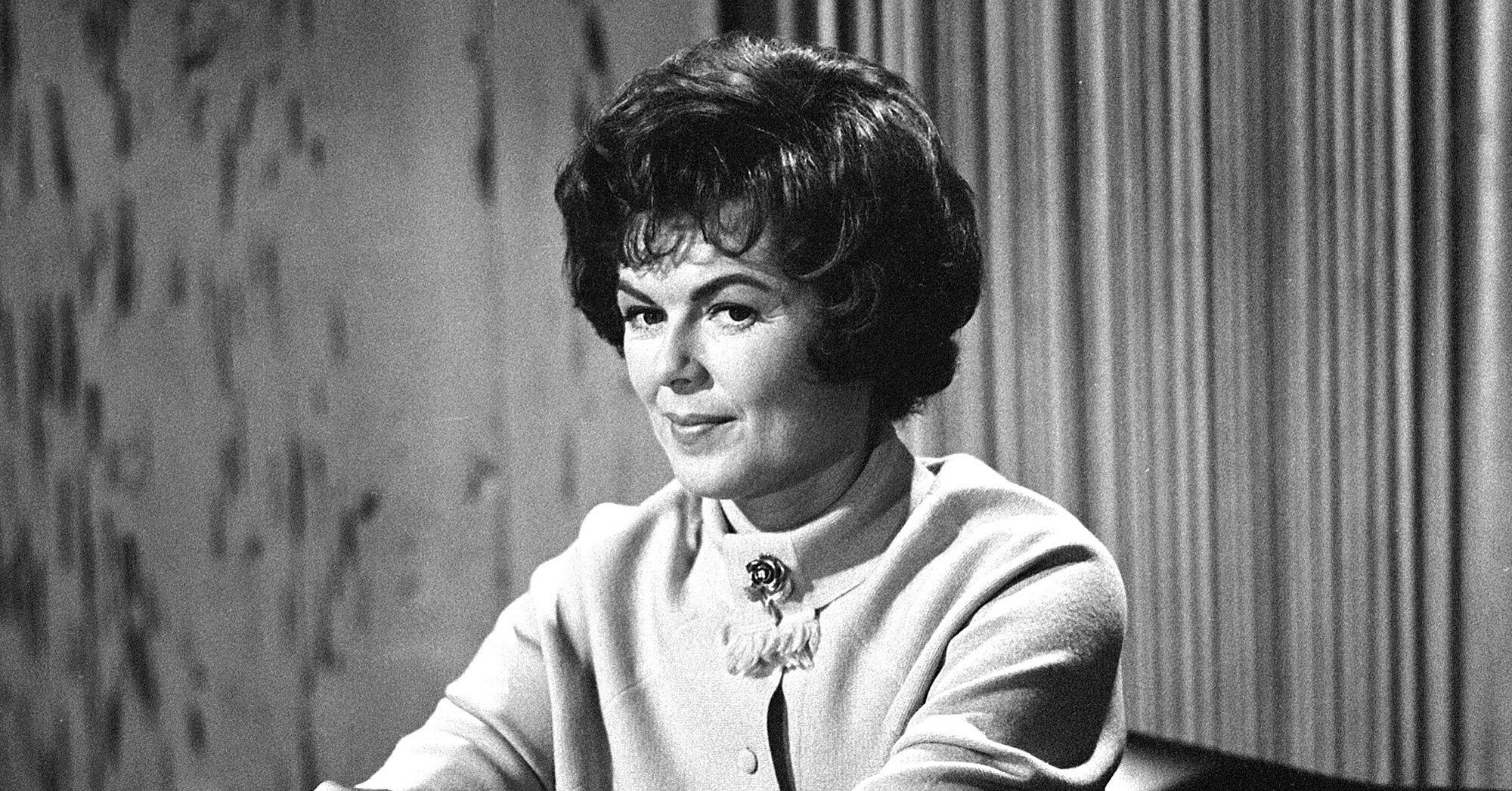 Welcome to my world. : Barbara Hale, Perry Mason