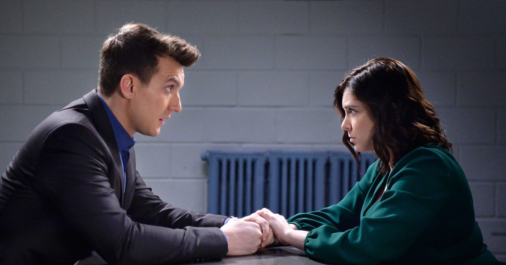 Rachel Bloom on Crazy Ex-Girlfriends Big Season 3 Finale