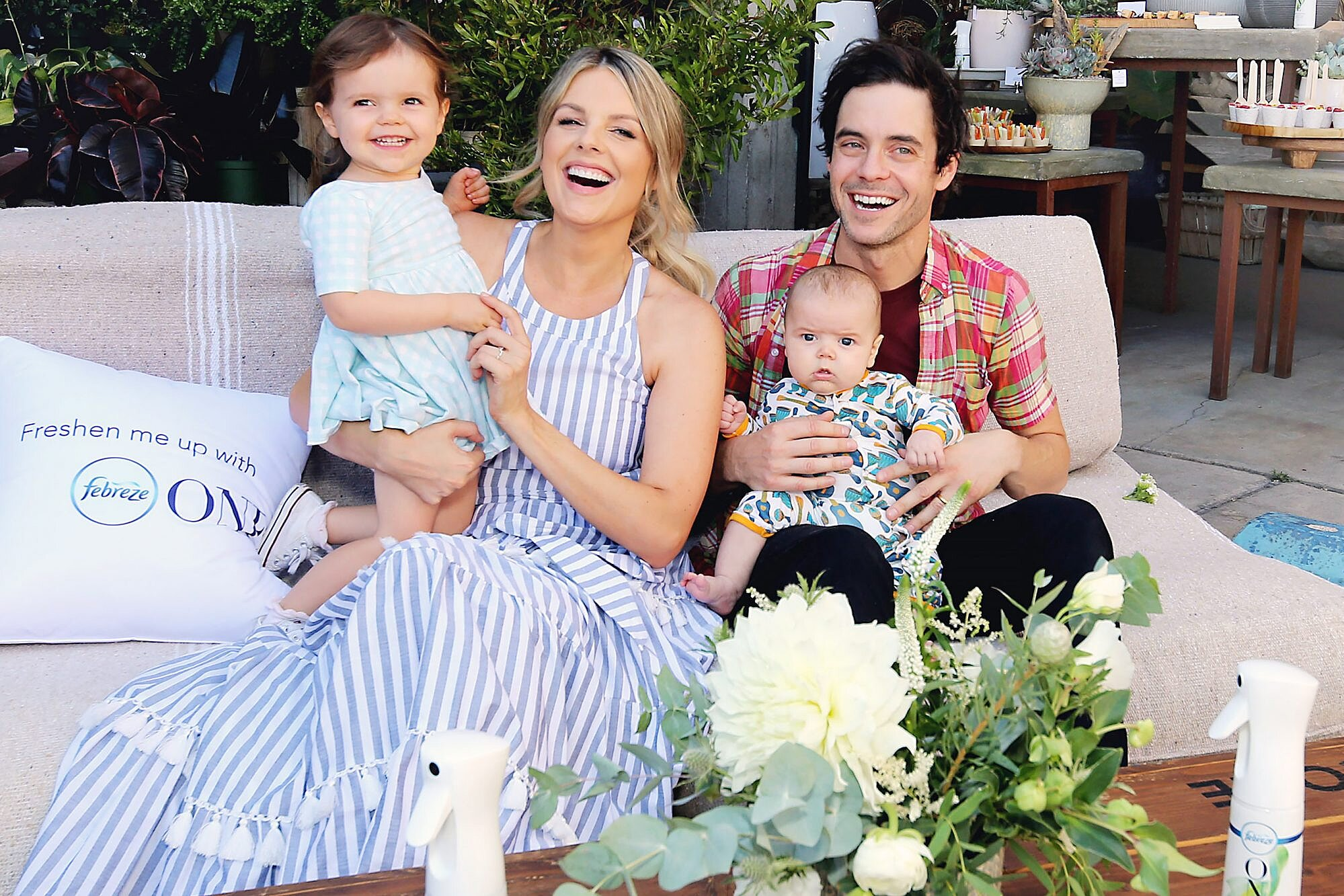 Ali Fedotowsky Manno And Husband Are Back In Same Bed After Baby People Com