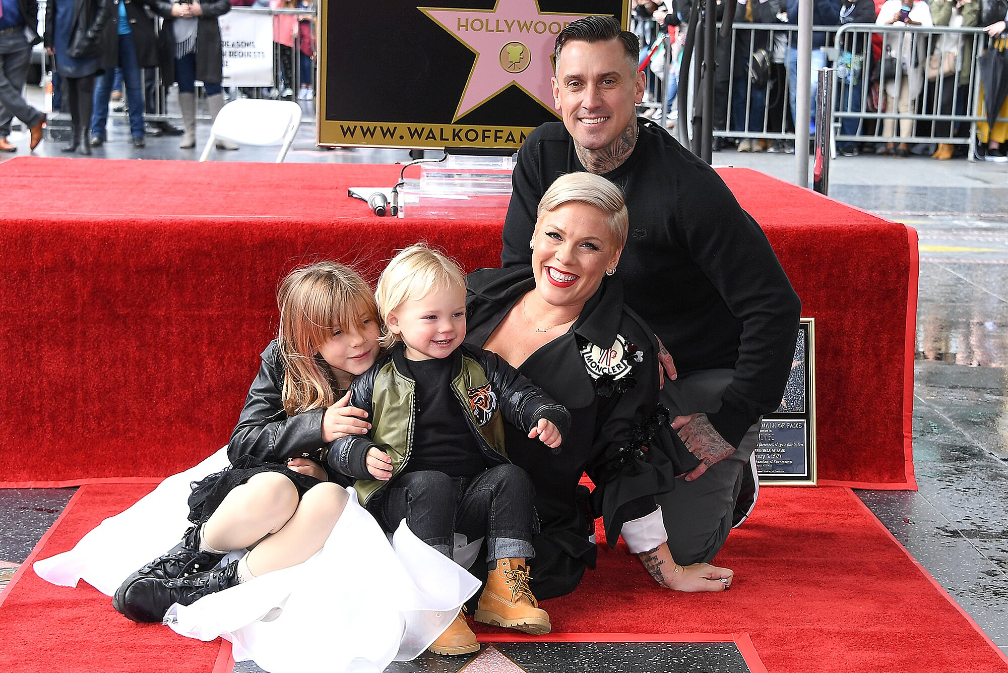 Pink And Husband Carey Hart Have Been In Couples Counseling For 17 Years People Com