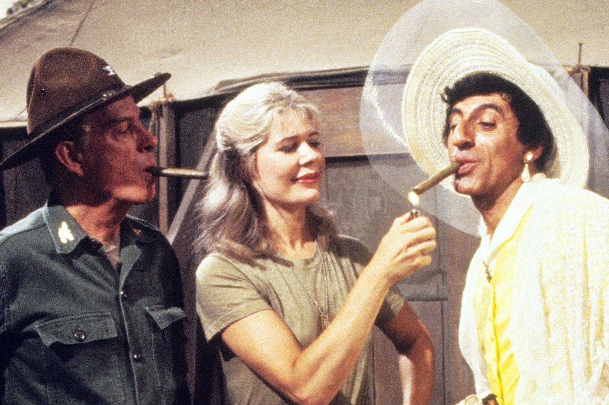 MASH stars Jamie Farr, Loretta Swit reunite 35 years after the final episode   EW.com