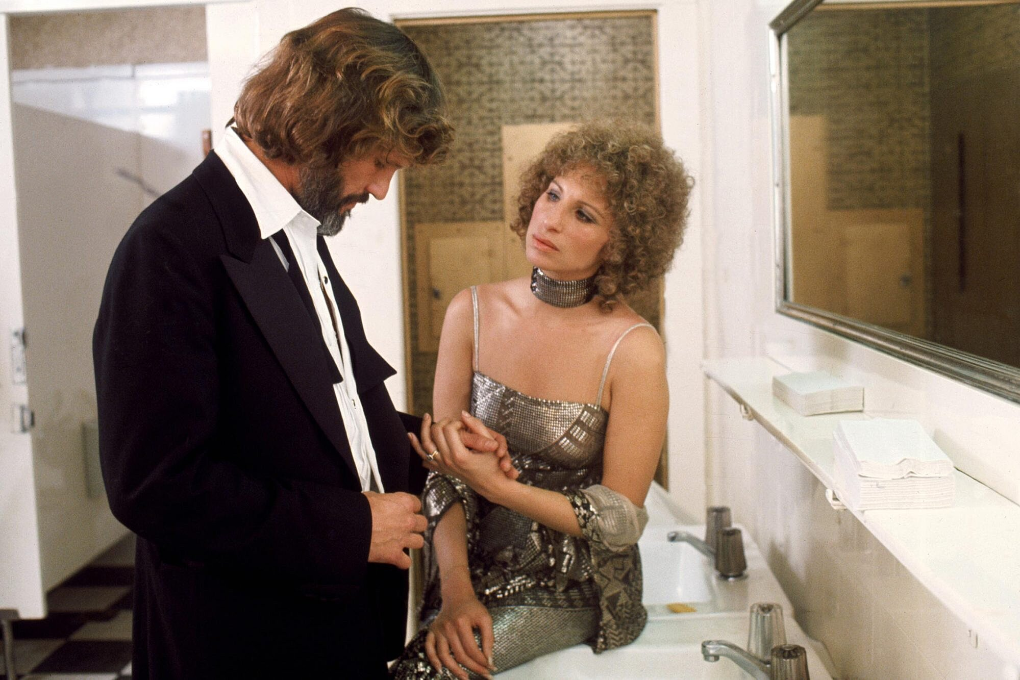 A Star Is Born Stars Barbra Streisand Kris Kristofferson Reunite For Performance Ew Com