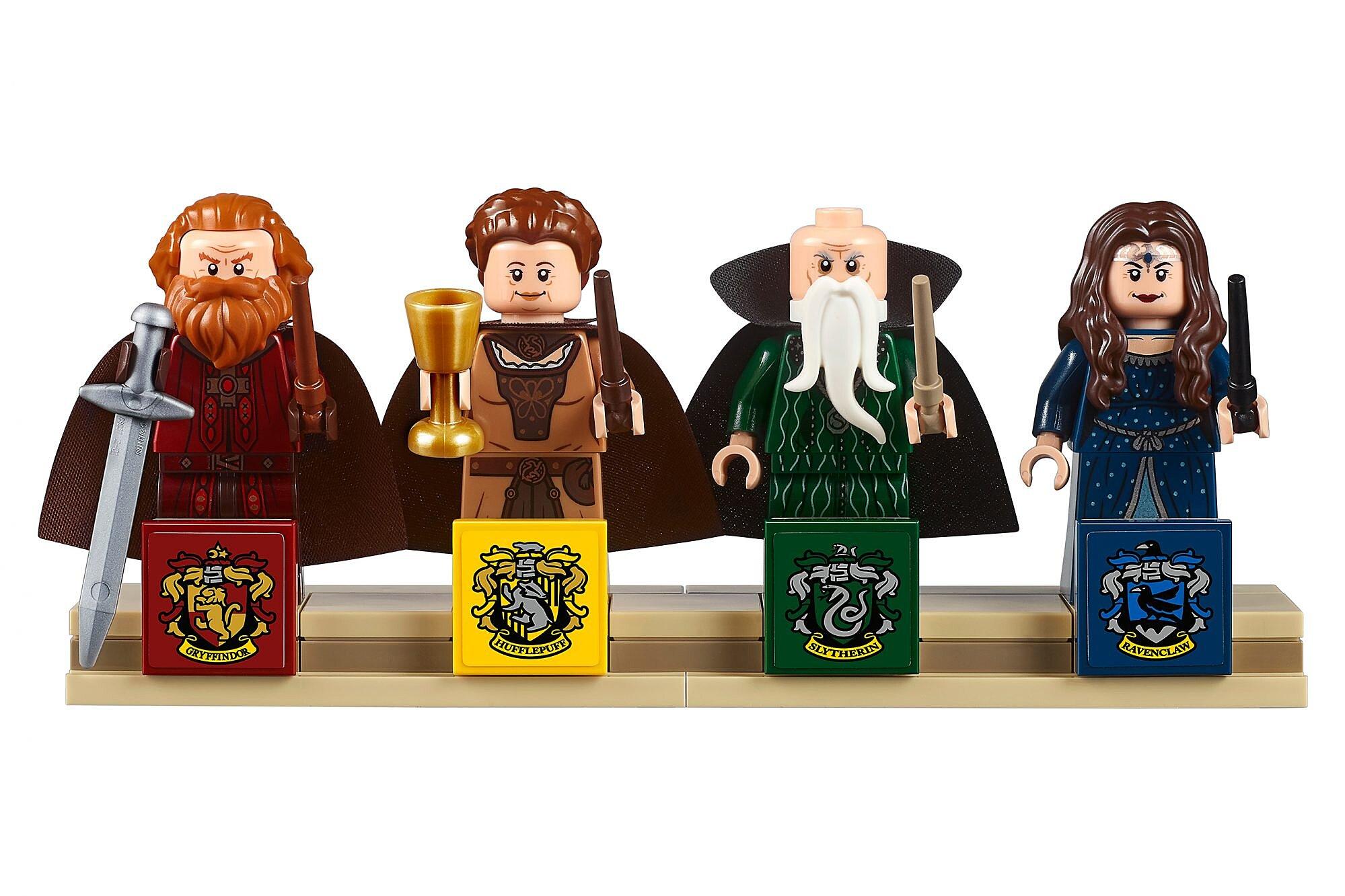 Harry Potter See Lego S Newest Biggest Hogwarts Set Ew Com