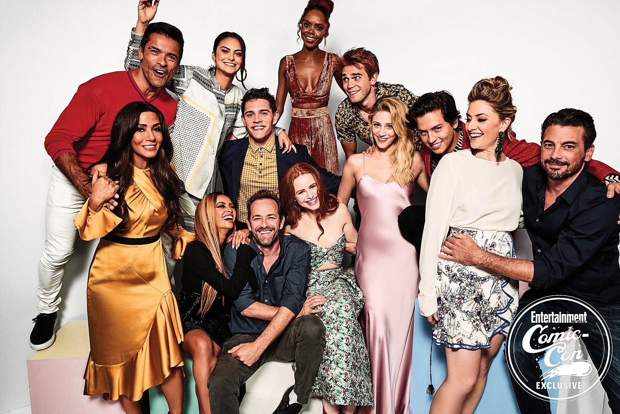 Comic Con 2018 Celebs Let Loose In Ew S Photo Studio Ew Com