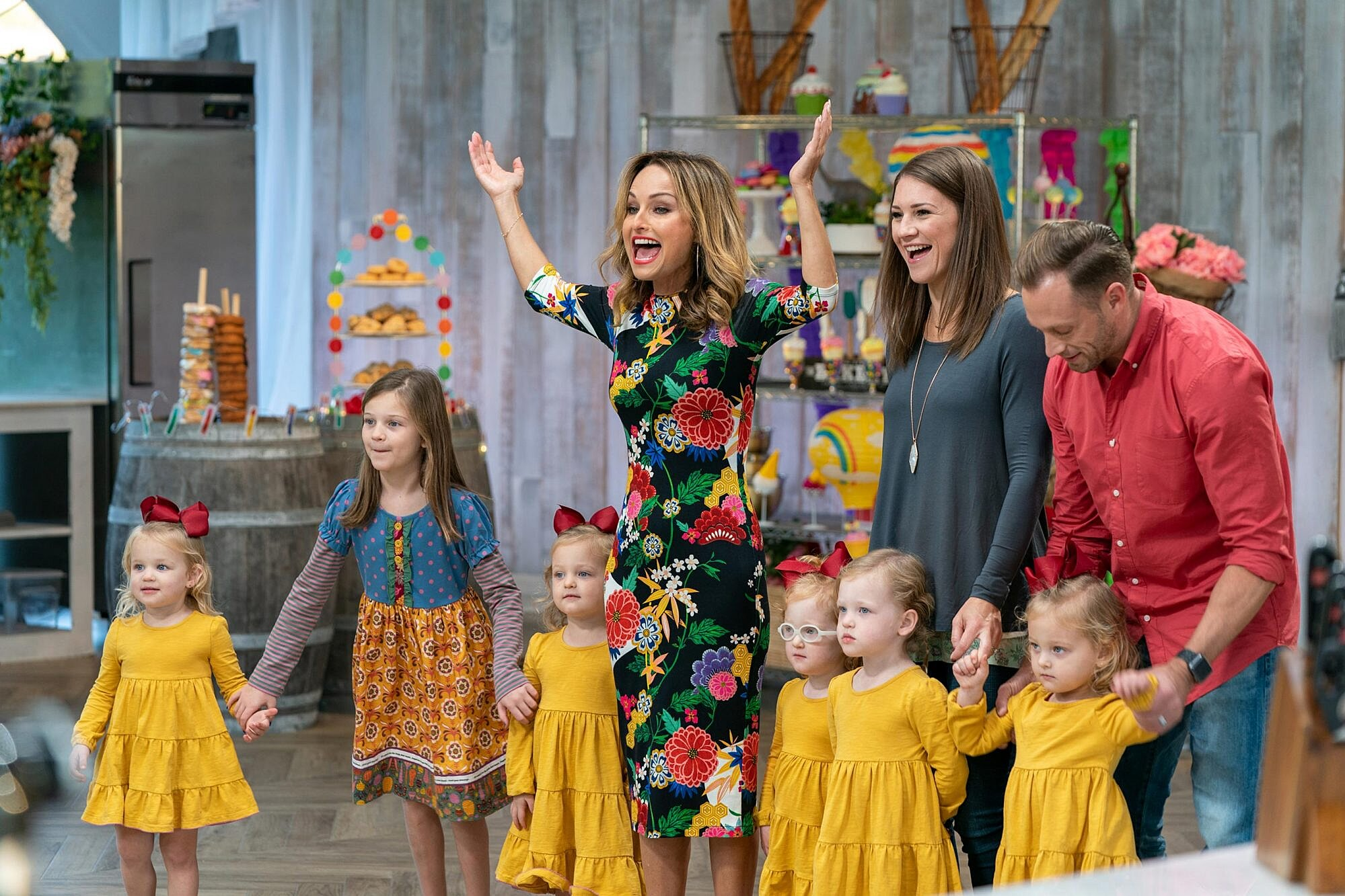 Food Network S Winner Cake All Giada De Laurentiis Welcomes Busby Family In Premiere Ew Com