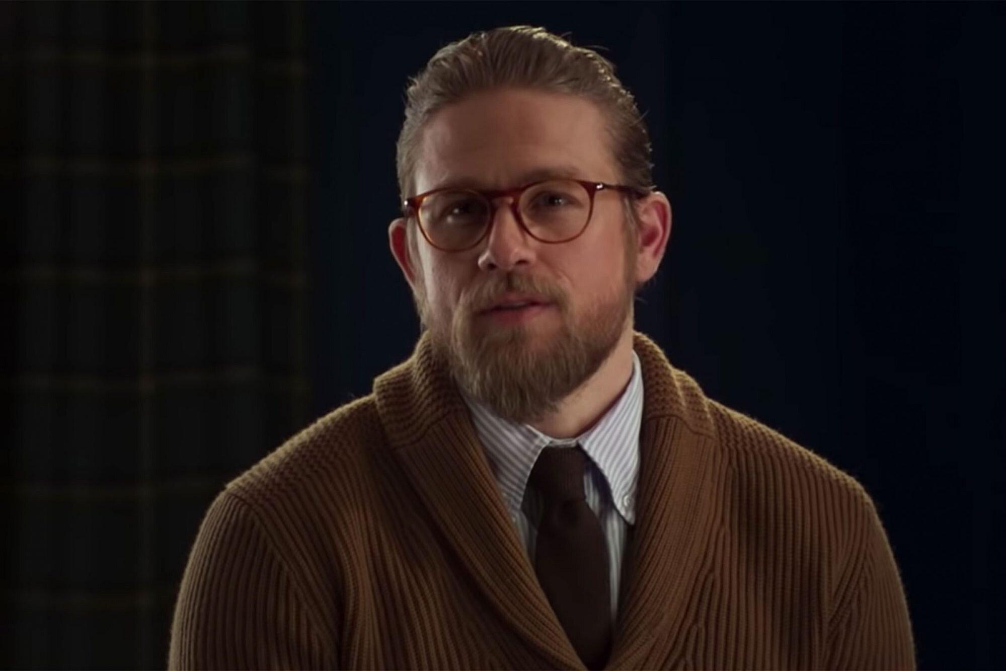 Charlie Hunnam Talks The Gentlemen Guy Ritchie Hugh Grant Ew Com
