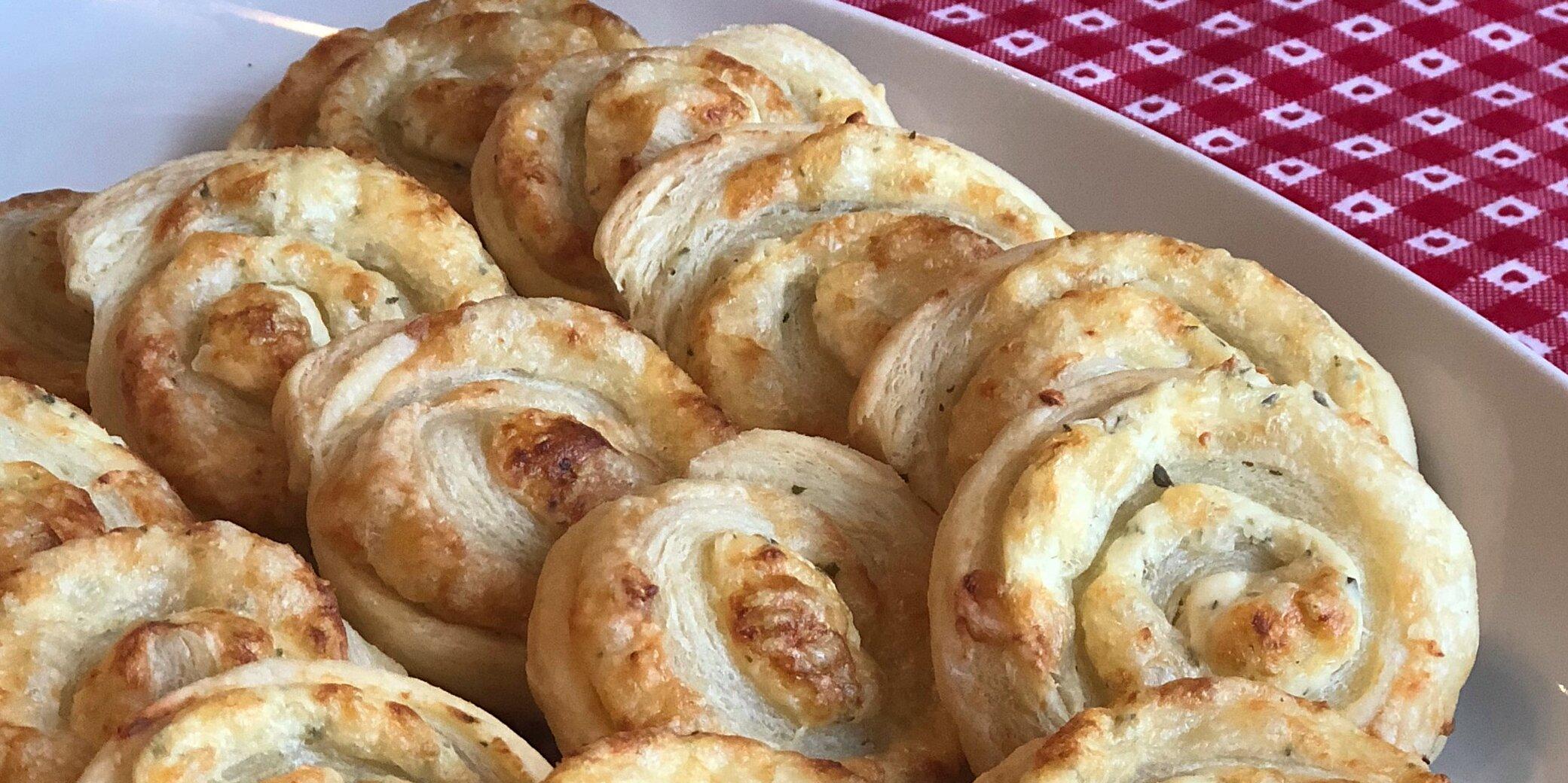 easy 3 ingredient cheese pinwheels recipe