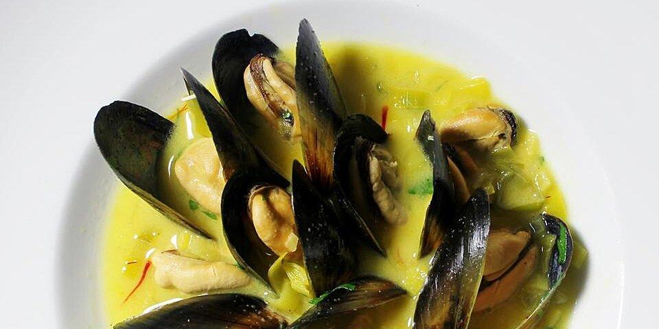 saffron mussel bisque recipe