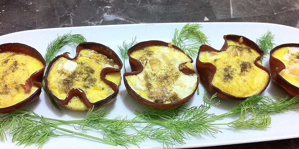 green egg and ham cups recipe