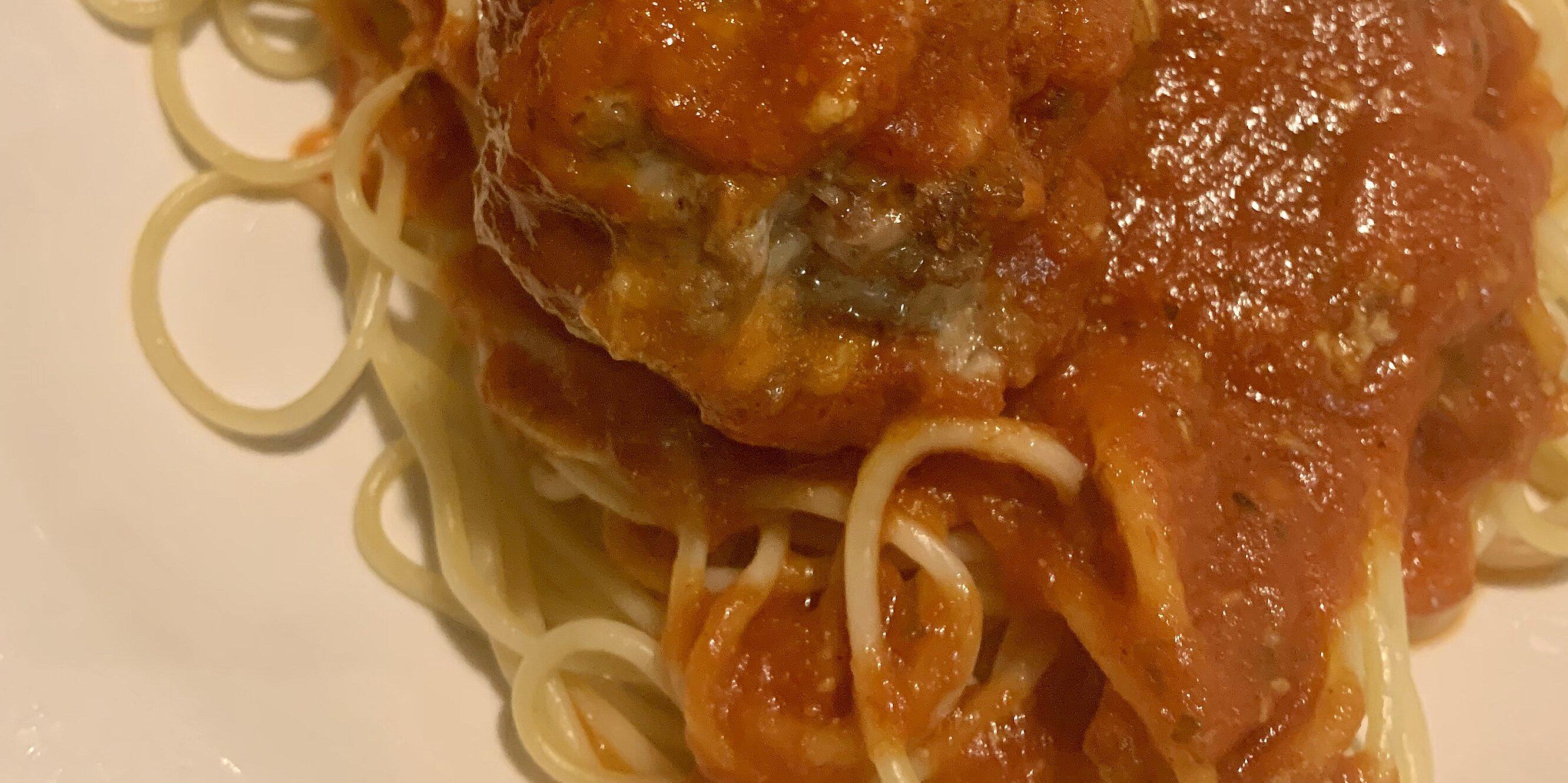 mamas best ever spaghetti and mozzarella meatballs
