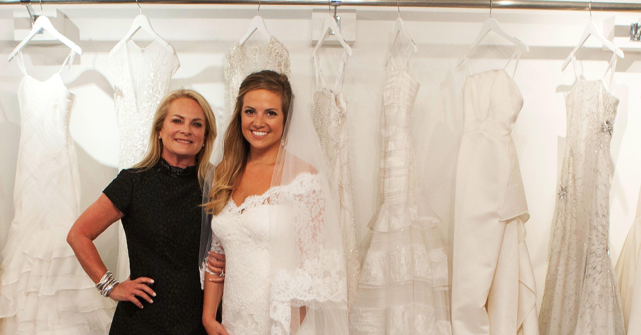 Inside Pamella Roland S Daughter S Wedding Dress Fitting Martha