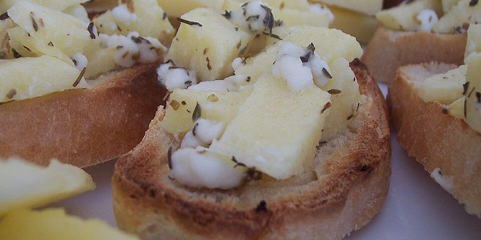 apple goat cheese bruschetta recipe