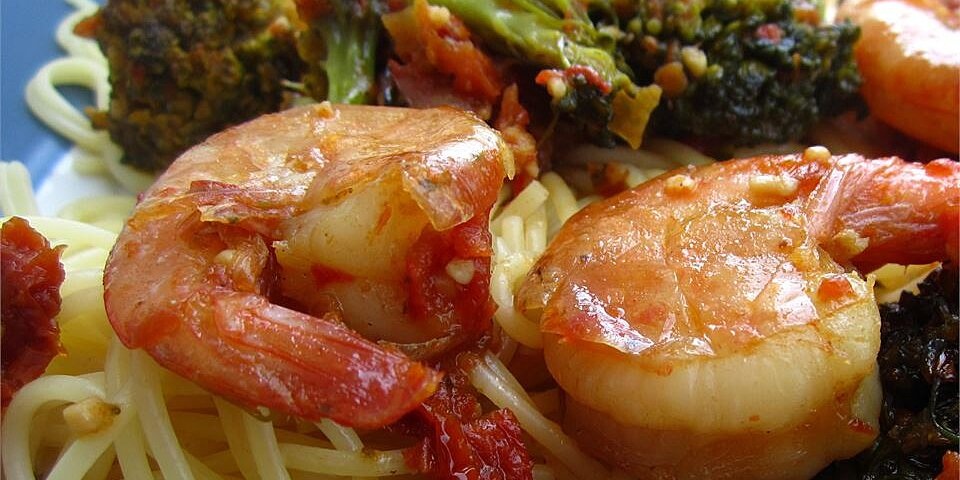 shrimp broccoli and sun dried tomatoes scampi with angel hair
